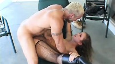 Luissa Rosso gets her ass fucked and he pulls out and drops one in her mouth
