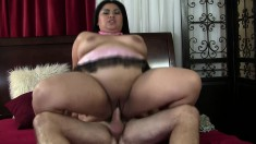 Chunky babe Tyung Lee seizes the chance to get her hungry pussy fucked