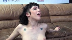 Slutty babes Lia Lor and Asphyixa Noir engage in a cocksucking contest