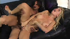 Long-haired blonde with shaved twat gets what she always wanted