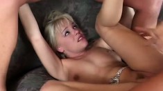 Deep ass-digging is what it takes to make Missy Monroe cum hard