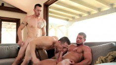 Ripped hunk gives in to temptation and gets into a threesome