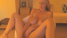 Big boobs model cum in mouth